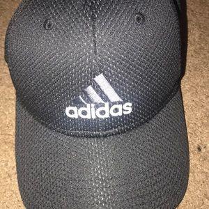 Doesn't wear it